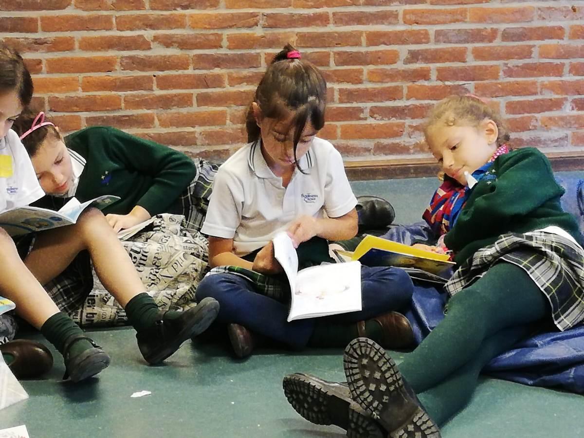 """Mes Literario – Semana 2: """"Poesía con voz"""""""